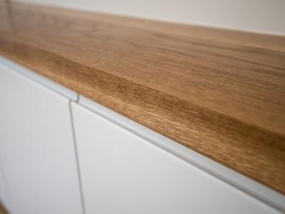 Oak worktop detail
