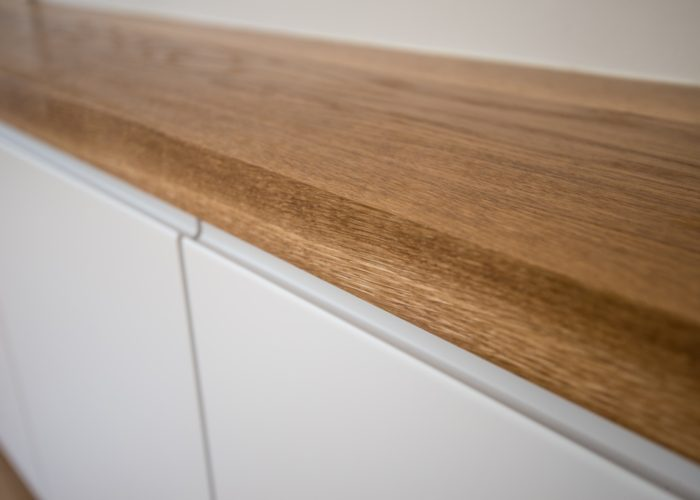 Oak worktop detail
